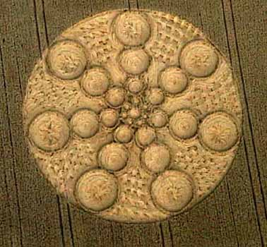 Crop circle lockeridge wiltshire england 1999 crop circle honey st