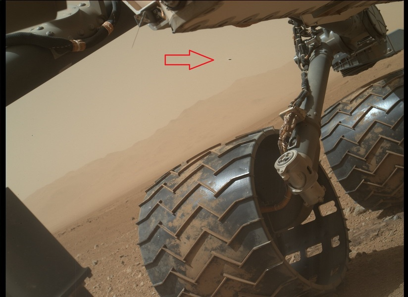 Mars Curiosity In Pictures. UFO's,Alien Carcass,Strange Artifacts and more..   Mars-ufo-user